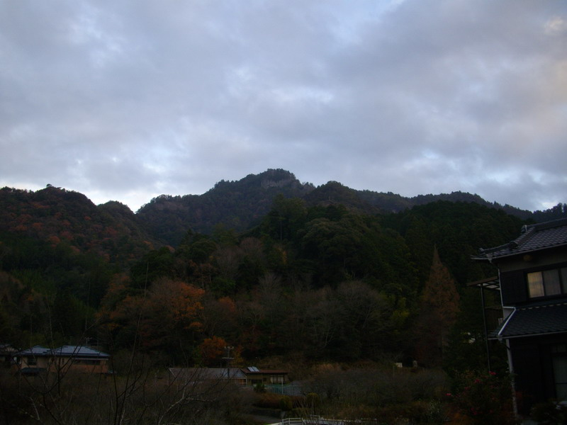 鳳来寺山の遠望