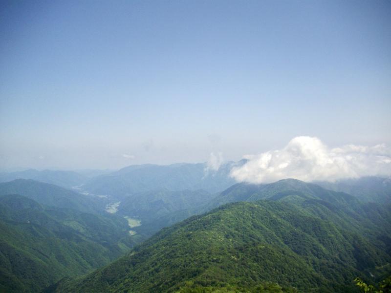 山頂以外はいい天気