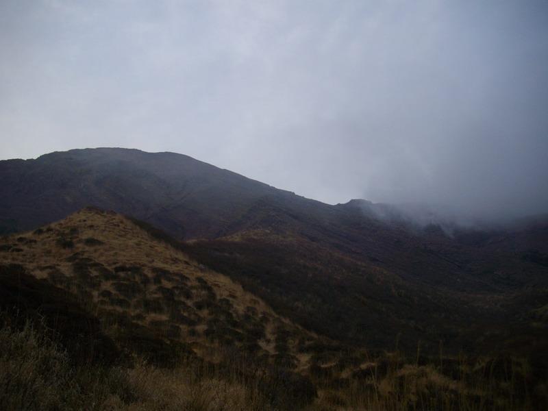 阿蘇山山頂への道