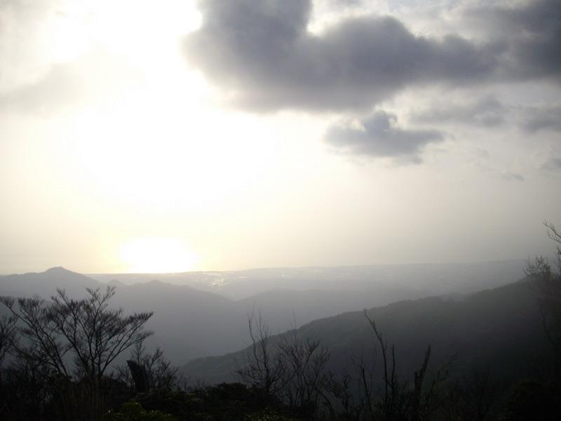 山頂直下の展望台