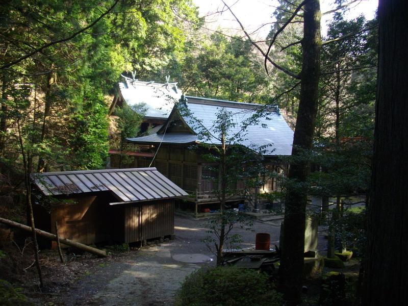 鶴見の神社