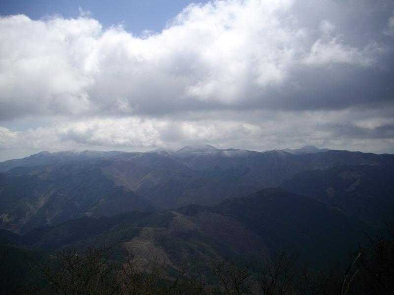 高見山西側
