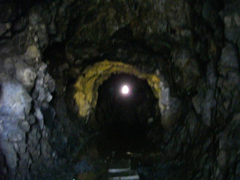 真っ暗すぎるトンネル