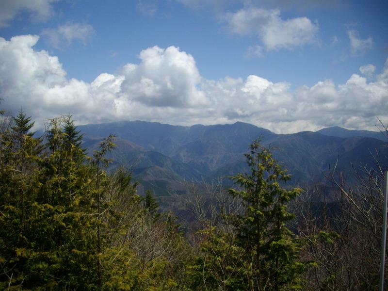 熊伏山頂から1