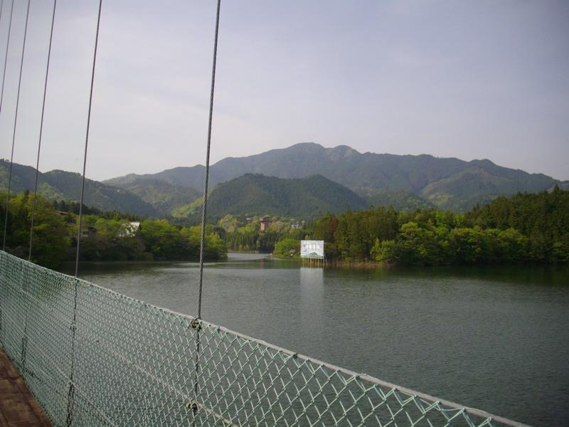 津風呂湖からの竜門岳